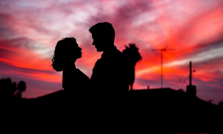 Handy Looks at How to Predict the End of a Relationship